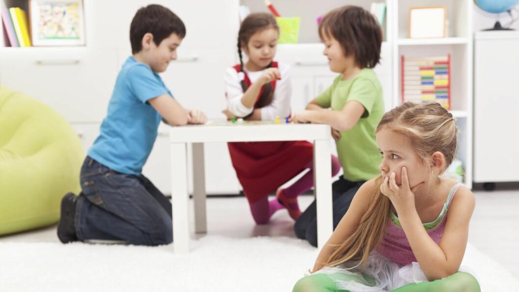 Følelsen av å være utelatt kan gå hardt inn på et barn.