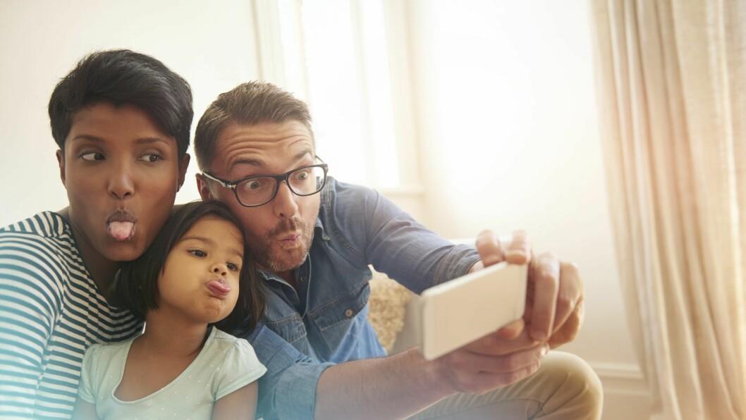Aktive, glade barn som har mye tid sammen med foreldrene. Hva som regnes som en bra familie, kan leses av adopsjonsrapporter.
