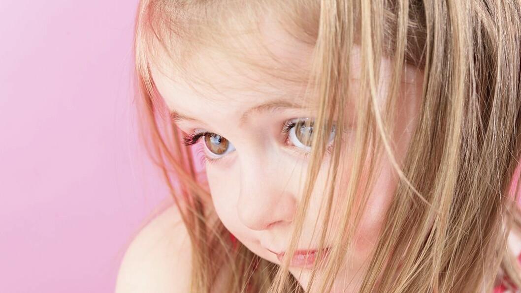 Glipper: Voksne reagerer gjerne på barns psykiske problemer dersom barna er vanskelige, mens de som er triste, engstelige og lider i stillhet slipper unna.