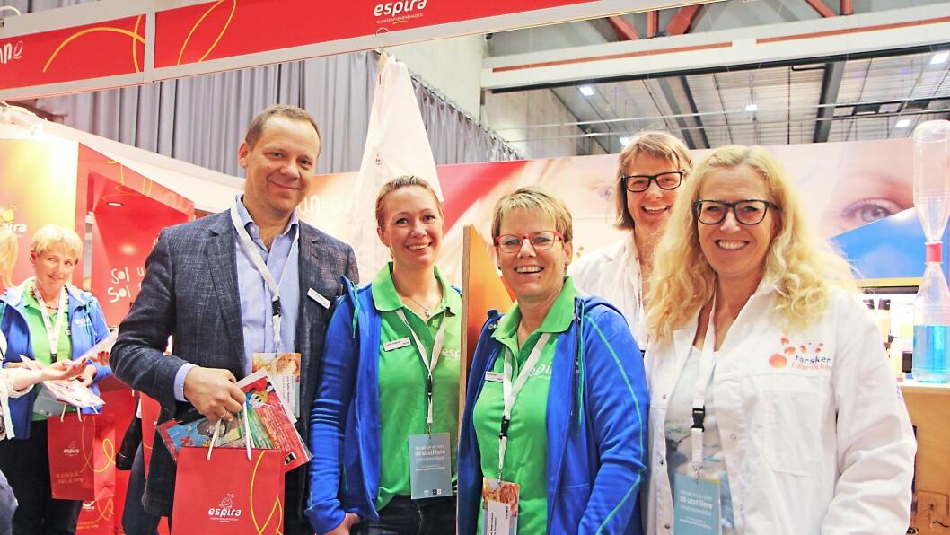 Kommunikasjons- og organisasjonsdirektør i Espira, Jens Schei Hansen på Barnehage 2016 sammen med representanter fra Espira og Forskerfabrikken.