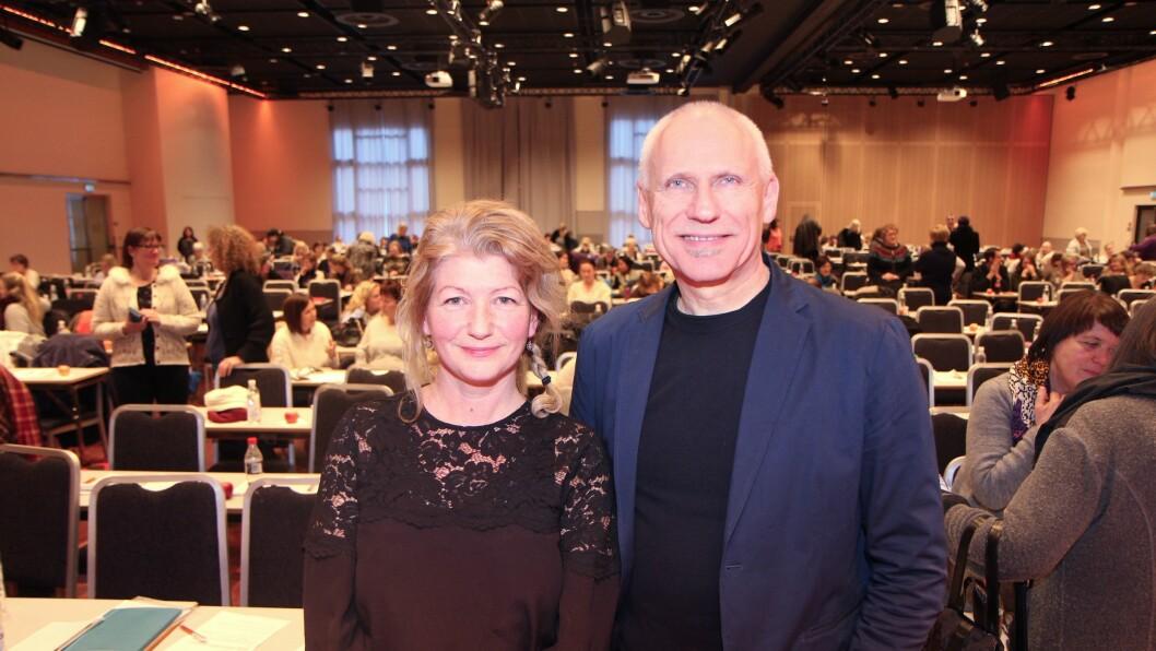 """Tona Gulpinar og Leif Hernes presenterte sine siste funn fra forskningsprosjektene Blikk for barn på konferansen """"Barnehagen for de minste - bra nok?""""."""