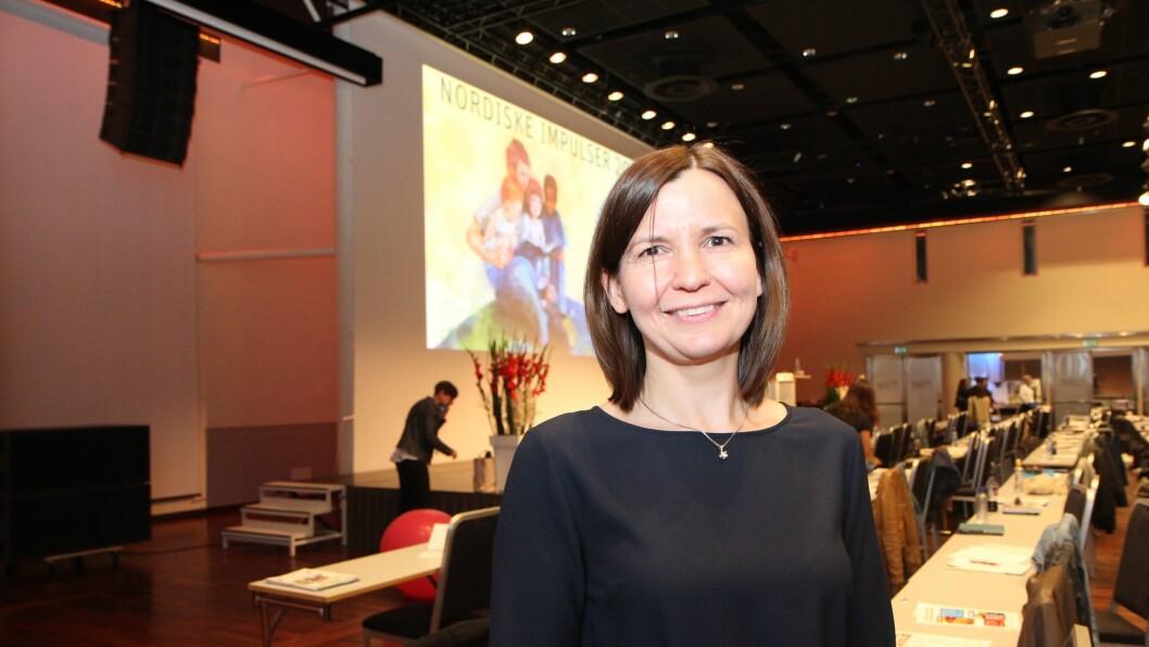 Professor i samfunnsøkonomi ved Universitet i Stavanger, Mari Rege, leder Agderprosjektet. Hun presenterte prosjektet på barnehagekonferansen Nordiske Impulser.