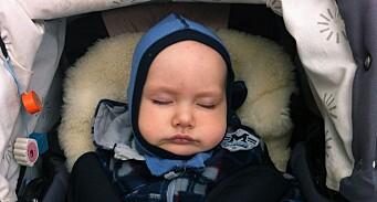 Sover i mugne barnevogner