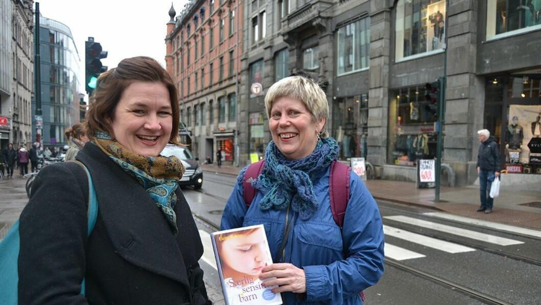 Viktig lesestoff: Psykoterapeut og barnehagelærer Eva Steinkjer (t.h) og coach Maya B. Bøhmer anbefaler Elaine N. Arons bok