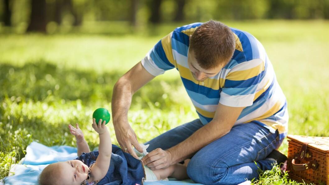 – At menn ikke skal få skifte bleie på barn i barnehagen, er et uttrykk på manglende tillit, skriver kronikkforfatterne.