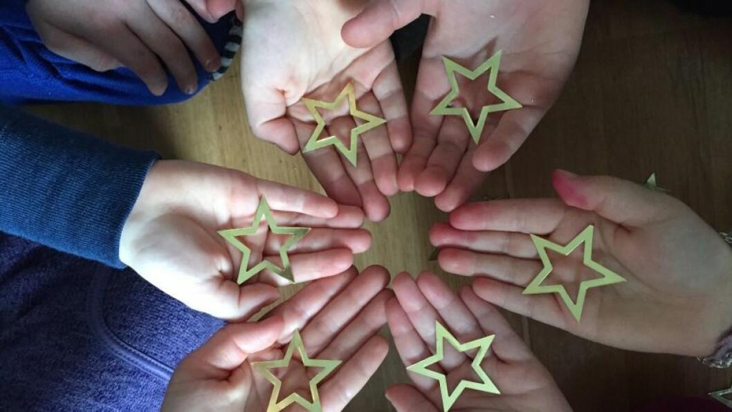 Salbutangen FUS barnehage jobber aktivt med psykisk helsevern i barnehagen: Tid for deg og tid for meg.Tid for å tenke og tid for å oppdage.Tid for å se, bli sett, lytte og forstå.Tid - en mulighet?