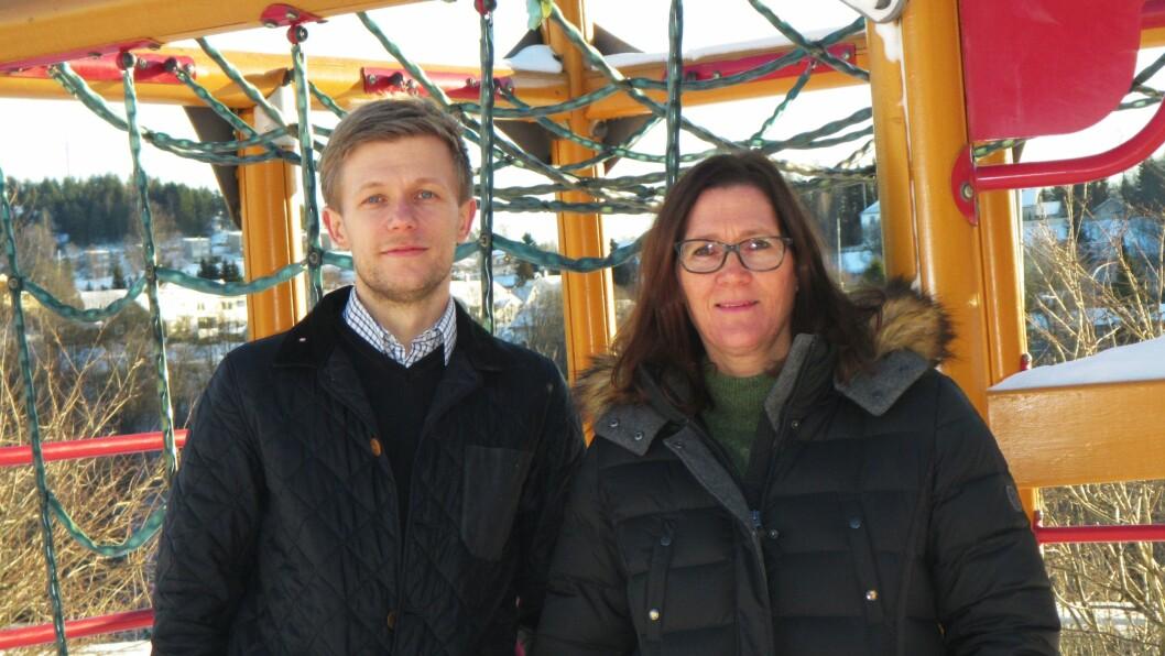Barnehagelærer Sindre Andreas Borgund og daglig leder Hege Heiberg i Kjekstadmarka Kanvas-barnehage i Røyken kommune.