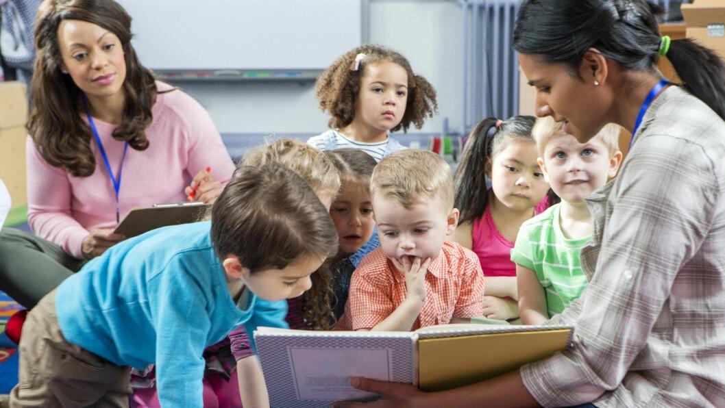 For barn med talevansker er det viktig med små, oversiktlige grupper der de ansatte er gode rollemodeller og gir alle god tid til å snakke og delta.