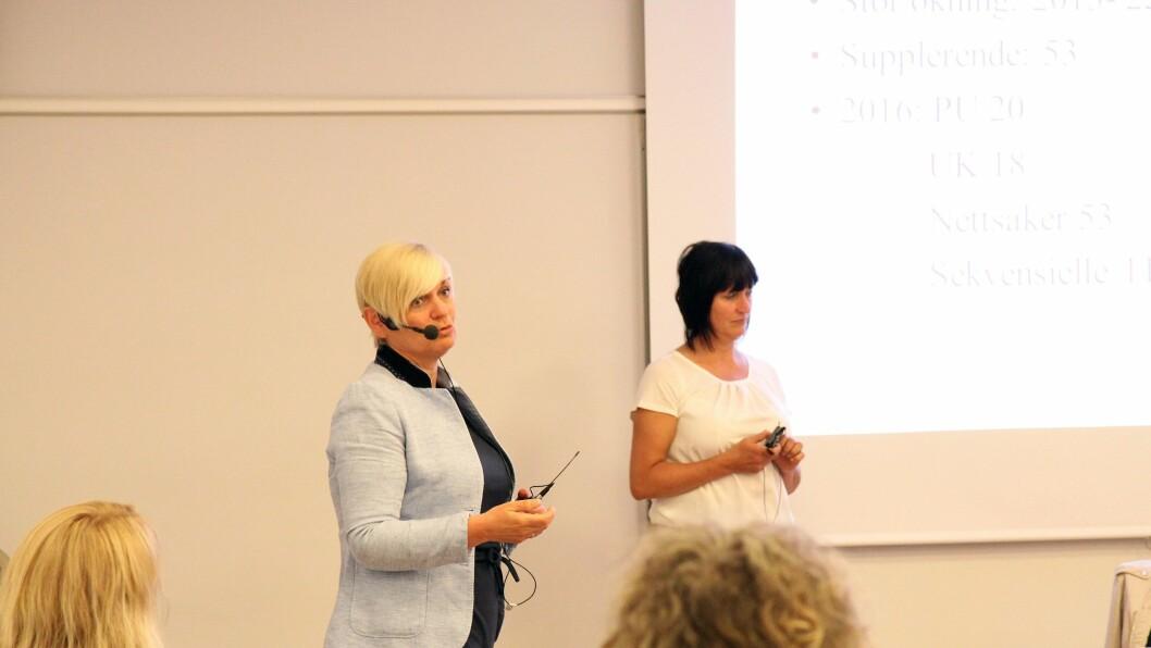 Fra venstre: Heidi Eriksen Losnedal og Marion Ophaug fra Statens Barnehus Bergen. Her i aksjon under konferansen onsdag.