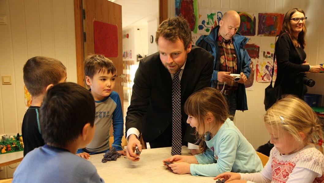 Torbjørn Røe Isaksen setter ned et ekspertutvalg som skal bidra til å løfte barnehagelærerprofesjonen.