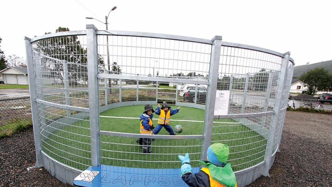 Populær binge: Ballbingen er et bidrag til å øke motorikken og for å legge til rette for ballspill og annen lek.