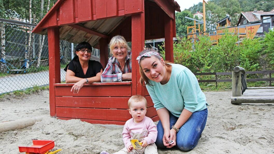 Fire generasjoner: Mille Myhre Farningham er aldri helt uten familien rundt seg i barnehagen. For om mamma Kine Myhre (27) er opptatt på sin avdeling, har hun alltid bestemor Katrine Langheim (45) eller oldemor Karin Lunde Pedersen (63) i nærheten.