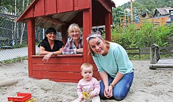 Her jobber mamma, bestemor og oldemor for Mille (1)