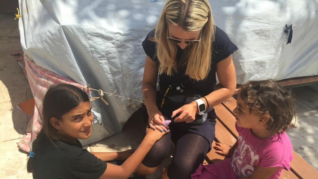 – Det var veldig mange sterke inntrykk, sier Catrine Andersen. Hun tilbrakte én uke med flyktningene på den greske øya Chios.