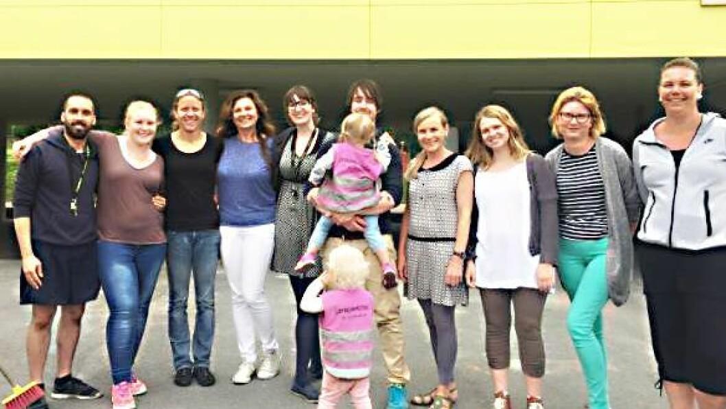 """Læringsverkstedet DoReMi Midtunbråtet barnehage i Bergen kan skilte med 50 prosent pedagoger og 25 prosent av personalet er menn. Sammen med sju andre barnehager kjemper de om prisen """"Årets barnehage 2016""""."""