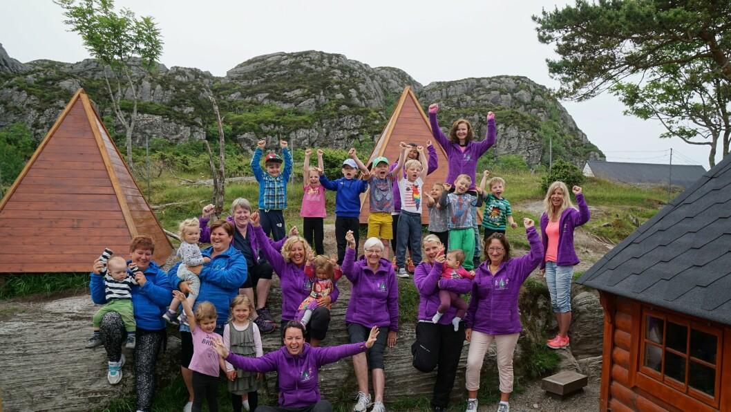 Gjengen i Langøy friluftsbarnehage gjør alt ute og elsker det!