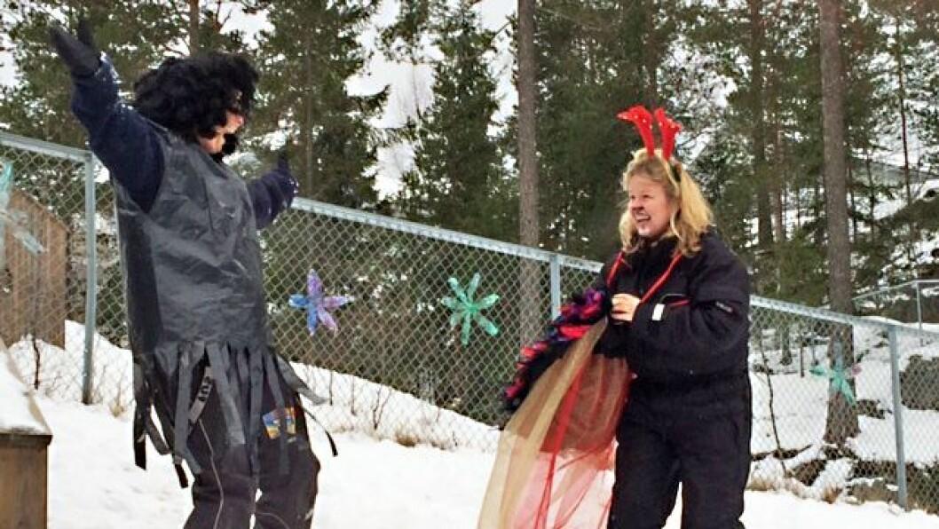 Hektneråsen FUS barnehage i Fjerdingby har lest og dramatisert eventyr i anledning Barnehagedagen 2016. Trollet skal lære seg og danse enten det vil eller ikke.