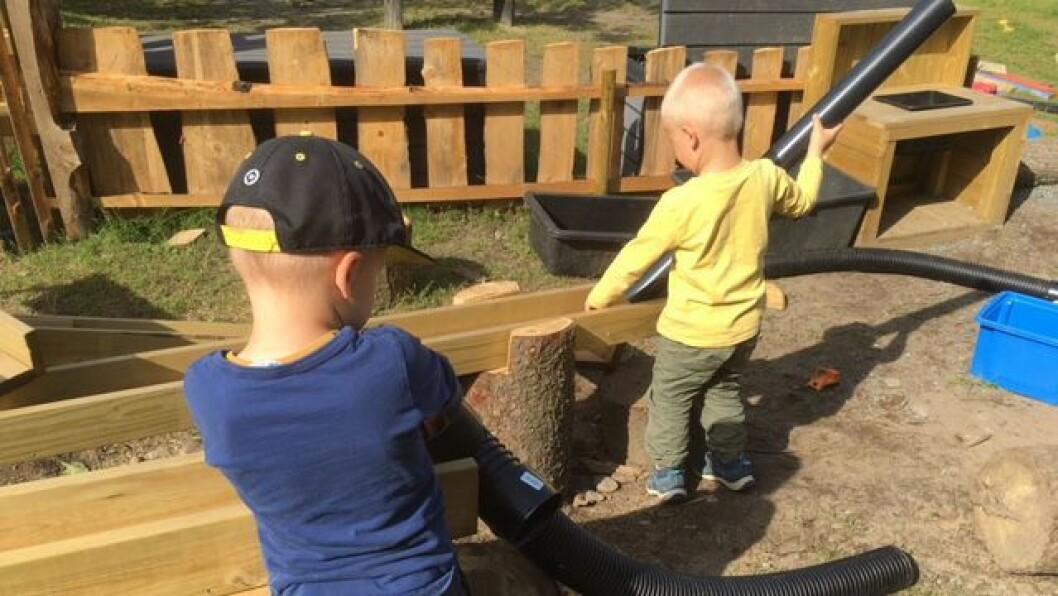 I sommer oppgraderte Barnehagen Andersrød uteområdet sitt. Nå kan barna blant annet utforske og eksperimentere med vann i barnehagens eget «vannland».