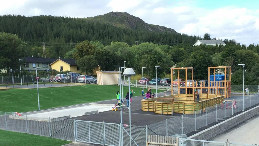 Barnehagen har blant annet fått installert en mini-ballbinge på uteområdet sitt.