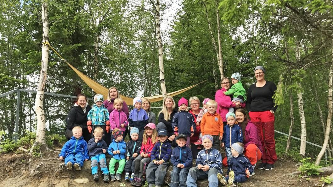 Gammelstua friluftsbarnehage er en ideell, foreldreeid barnehage som bruker naturen sammen med barna hver dag. De er en av åtte nominerte til