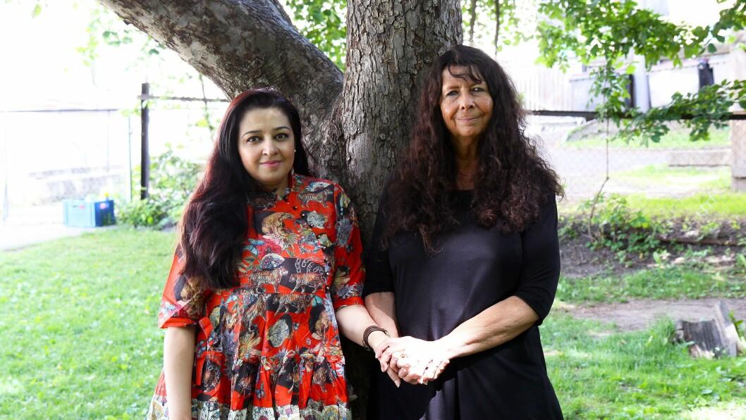 I barnehagen ble Mahmona Khan (høyre) nært knyttet til barnepleieren Rita Sharmila Lein, som var hennes primærkontakt. De to har et nært vennskap den dag i dag.