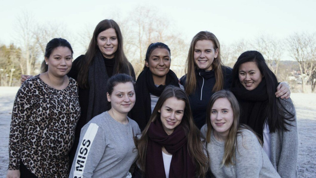 Øverst fra venstre: Stephanie Isaksen, Caroline Bodum, Ida Christensen, Thea Ådalen, Marthe Eun L Jakobsen. Nederst fra venstre Albina Begisholli, Cecilie Smerkerud, Emilie Meli.