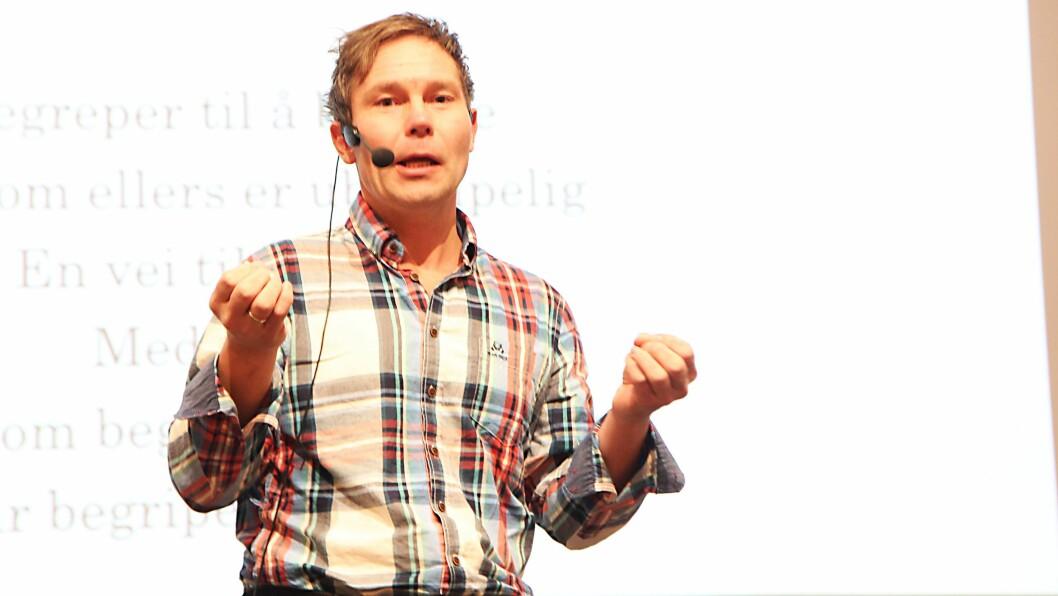 Lekefokus. Forfatter og barnehagelærer Terje Melaas er sterkt kritisk til innføring av læringsbegrepet i barnehagen. Han fikk bred støtte fra 450 pedagoger under Barnehagekonferansen 2014