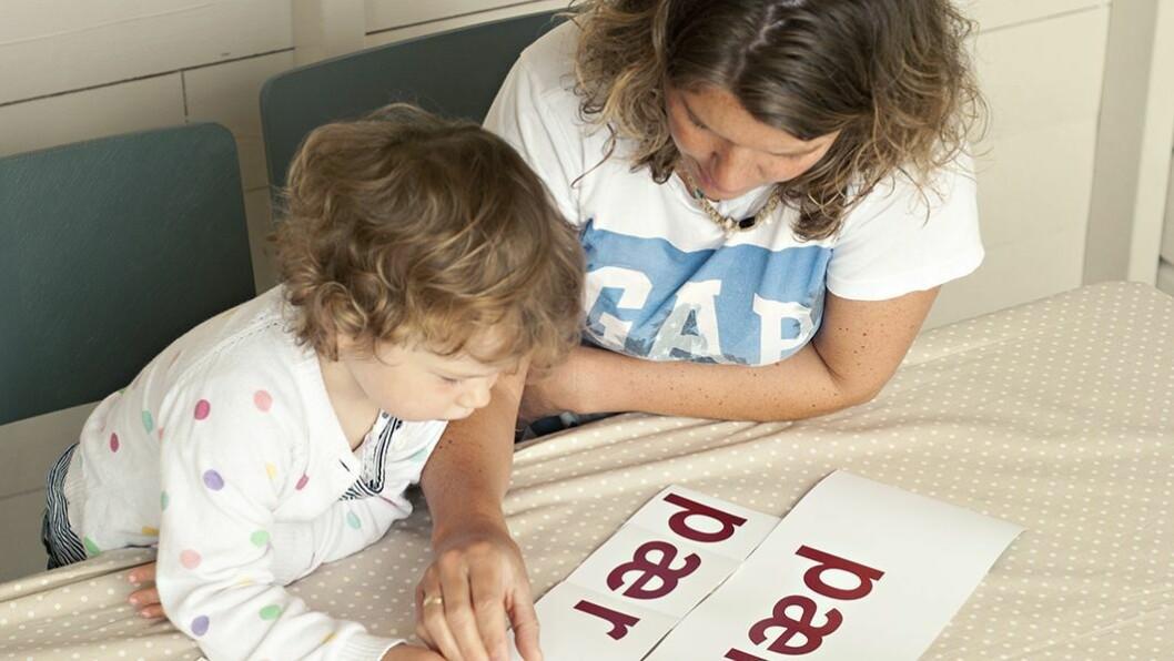 Bravo: – Tidlig innsats er alfa og omega når det gjelder språk, sier spesialpedagog Heidi Aabrekk. Her tas språkleken Bravo i bruk i barnehagen.