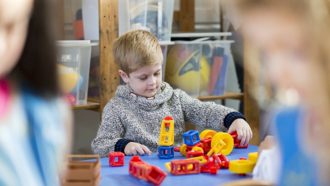 Barnehagen må ta hensyn til de stille barna og følg dem ekstra opp.