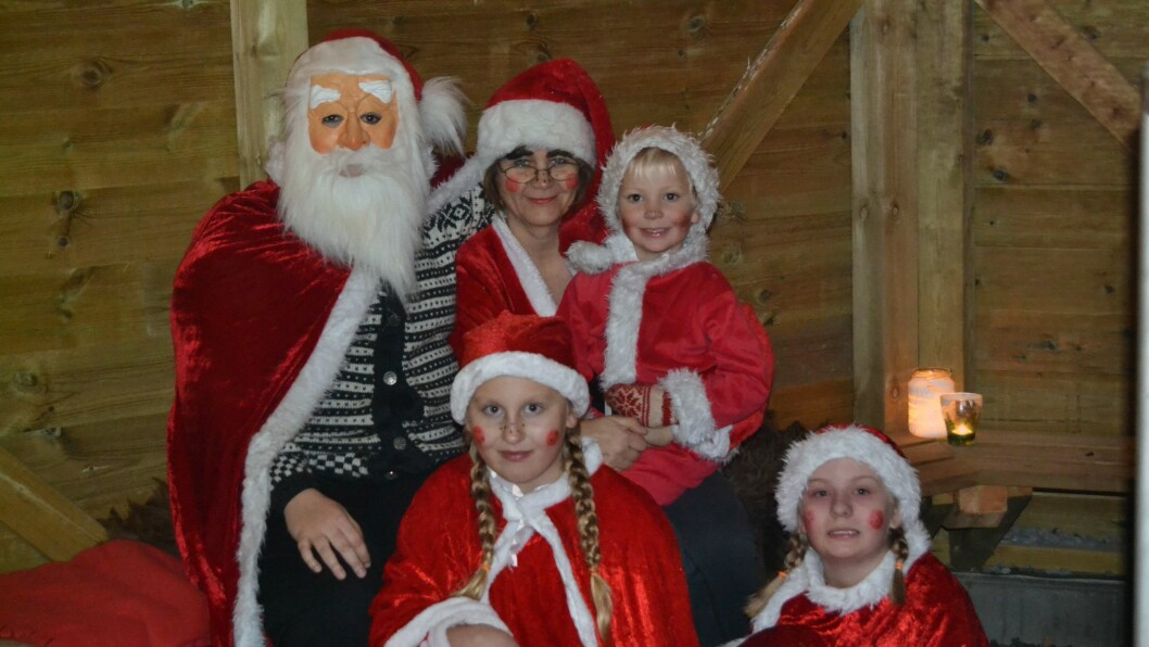 En nissefamilie har bosatt seg på loftet til Øyno Fus Barnehage.