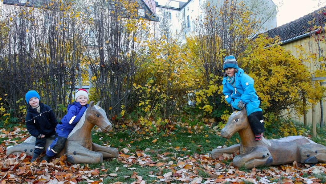 Lademoen barnehage holder til i et gammelt arbeiderstrøk i Trondheim. På uteområdet har barnehagen forsøkt å gjenskape miljøet i nabolaget slik det var for hundre år siden.