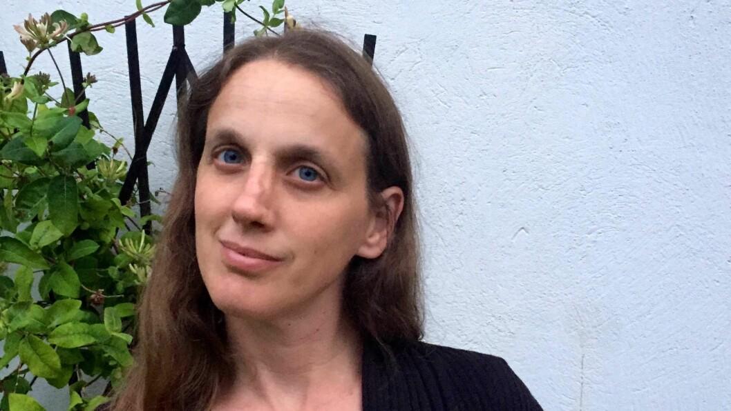Teresa K. Aslanian har jobbet 15 år i barnehage som assistent, barnehagelærer og styrer. I dag er hun stipendiat ved Høgskolen i Oslo og Akershus og er aktuell med boken «Kjærlighet som profesjonsutøvelse i barnehagen».