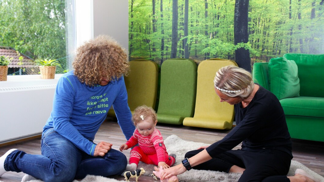 Førstegangsforeldrene Gunnar Lillevåje og Trude Cecilie Dahle hadde god kjennskap til barnehagen før de søkte og føler seg trygge på at datteren Lykke kommer til å få det bra der.