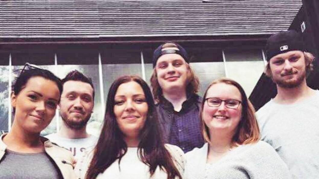 Elin Øibakken,Hannah Jambak Varden,Mia Moen,Ole Andreas Skaara,Per-Ole Åkerman ogRobin Andrè Karlstad er barnehagelærerstudenterved Høgskolen i Østfold.