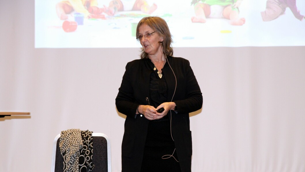 Ingrid Lund i aksjon under konferansen Mobbing i barnehagen.