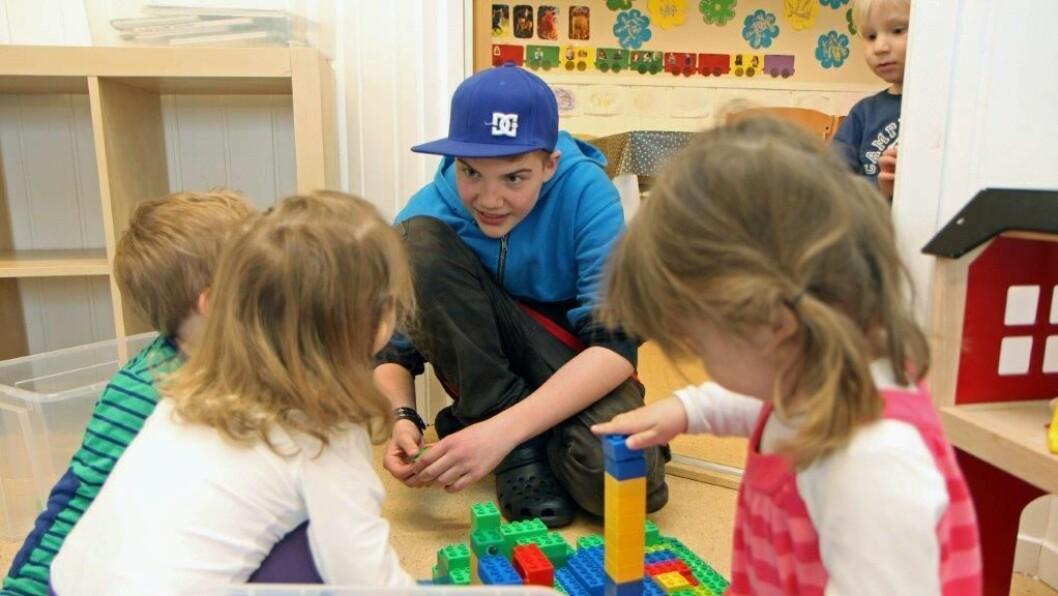 Prosjekt«Lekeressurs» ble satt i gang i Lillehammer i 2009, og har senere spredt seg til flere kommuner, deriblant Stavanger og Gauselbakken barnehage hvor ungdomsskoleelev Samuel Falkeid (avbildet) var lekeressurs i 2013.