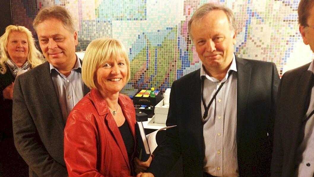 Forhandlingsleder i Unio kommune, Ragnhild Lied og forhandlingslederen for KS, Per Kristian Sundnes.