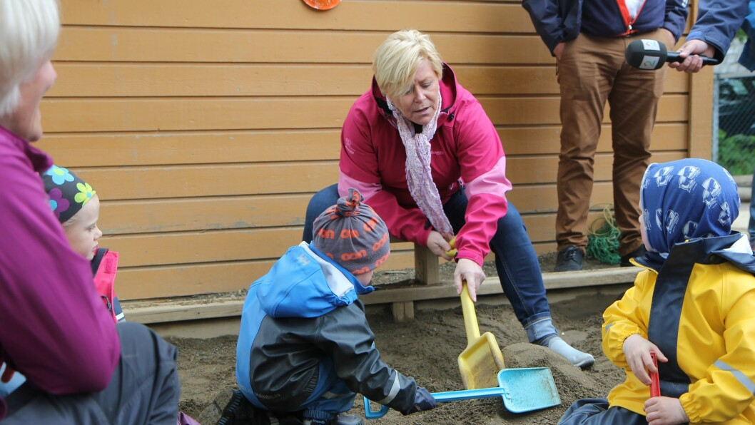 Finansminister Siv Jensen (Frp) besøkte tirsdag Trollmyra barnehage i Bodø.