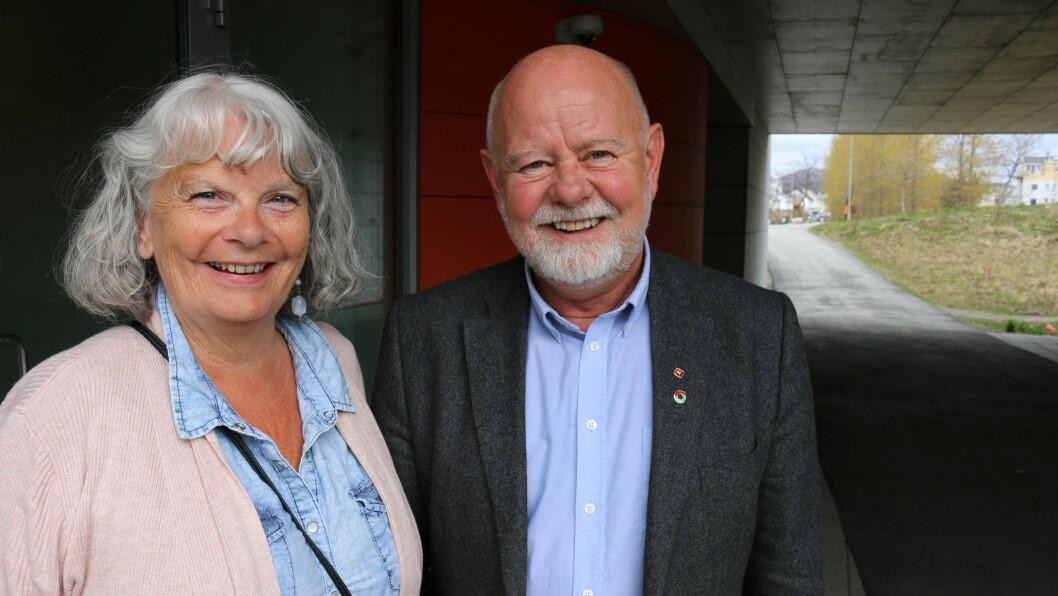 Mette Henriksen Aas i Fagforbundet og Terje Skyvulstad i Utdanningsforbundet er fornøyde med at kompetanse belønnes i mellomoppgjøret i PBL-området.