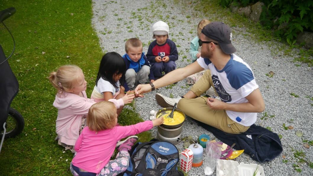 Pedagogene i Hanne's lekestue er fornøyd med hvordan barnehagen organiserer plantiden. Ordningen innebærer blant annet at de ikke må bryte av aktivitet sammen med barna for å gå inn på kontoret.