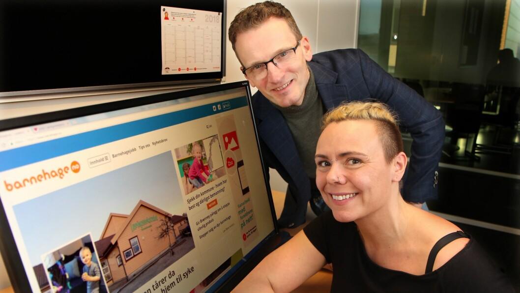 Redaktør Øyvind Johansen og journalist Mariell Tverrå Løkås kan stolt presentere en mer moderne, ryddig og leservennlig utgave av barnehage.no. Foto: Aurora Dyrnes