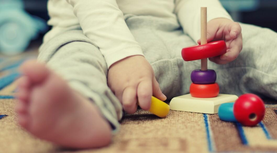 For å styrke kvaliteten i barnehagen må barnehagelærerutdanningene gi studentene en sterkere faglig ballast, skriver lederne ved de største utdanningsinstitusjonene for barnehagelærere.