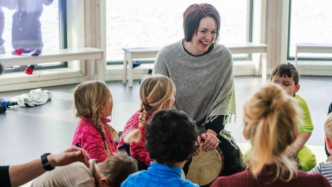 Stortingsrepresentant Åshild Bruun-Gundersen, her på et barnehagebesøk. Foto: Frp