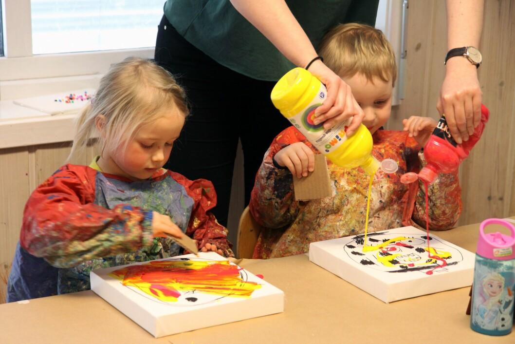 – Vi ønsker å gi barna mange forskjellige verktøy som de kan uttrykke seg gjennom estetisk, sier pedagogisk leder Maren Løken på avdeling Miramarmora.