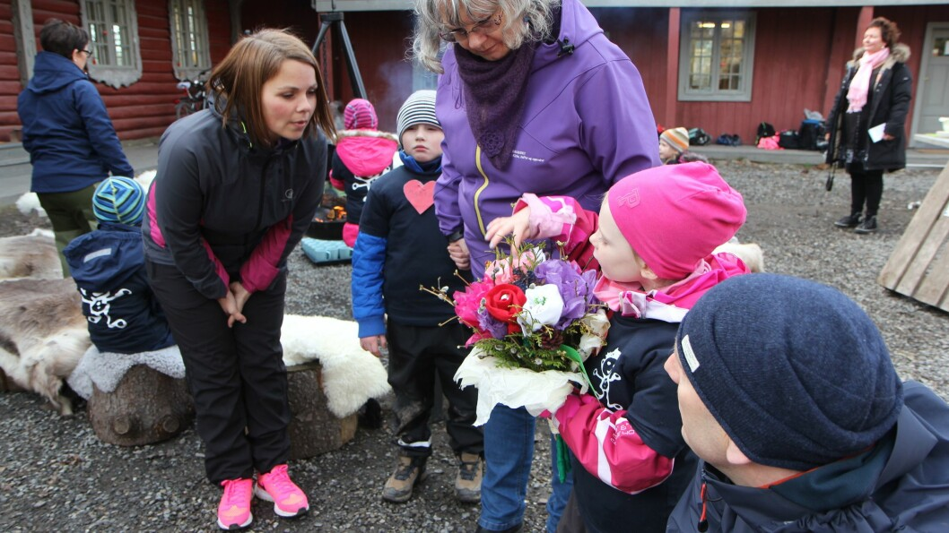 FUB-leder Marie Skinstad-Jansen (til venstre), her fotografert i forbindelse med Barnehagedagen 2015.