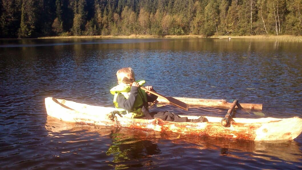 Barna i Småtjern Naturbarnehage har så langt sjøsatt tre kanoer.