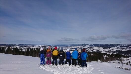 Barnehagen ligger i snørikt område og i løpet av vinteren er barna ofte på skiturer.
