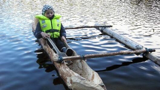 Etter å ha arbeidet med kanoen i ett år, var den endelig ferdig og kunne sjøsettes.