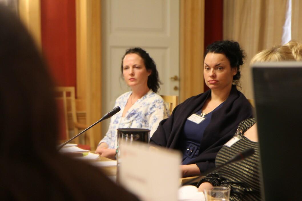 Anniken Myrnes og Palma Kleppe under høringen om bemanningsnorm.