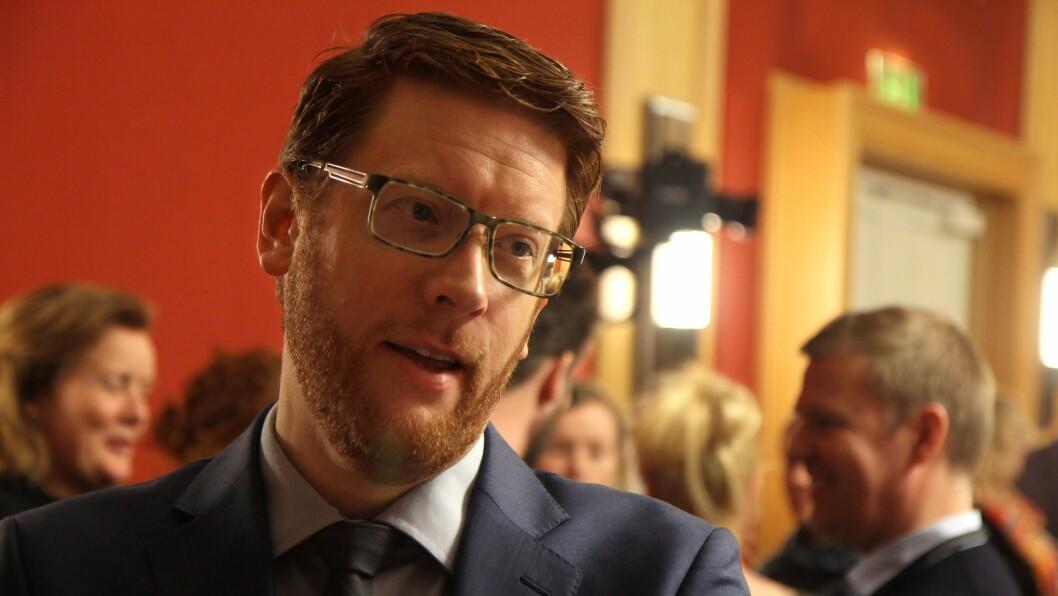 Martin Henriksen (Ap) utfordrer kunnskapsministeren på regelverket knyttet til sikkerhet. Bildet er tatt ved en tidligere anledning.